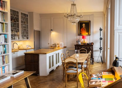 Classical Apartment on Royal Mile - Edinburgh