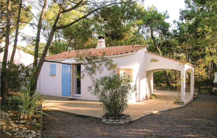 Holiday cottage with 2 bedrooms on 62m² in La Faute/Mer