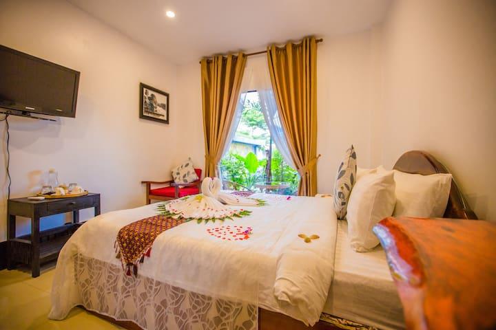Single Room Moloppor Villa Battambang