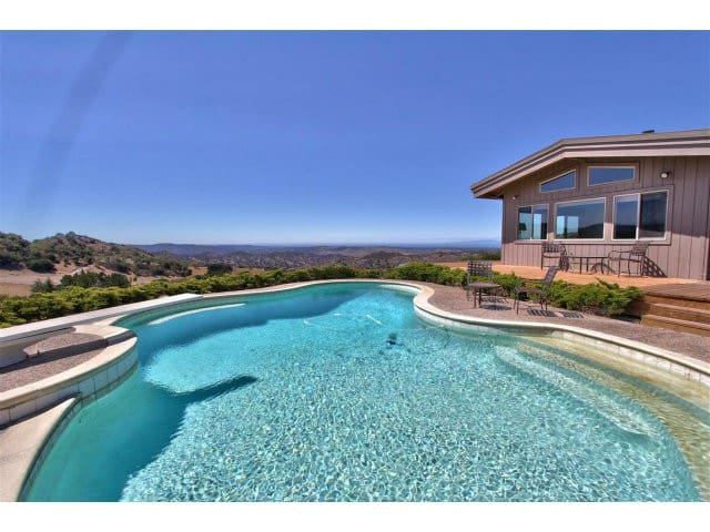 Master with private bath in Lrg home-Pool-BayViews