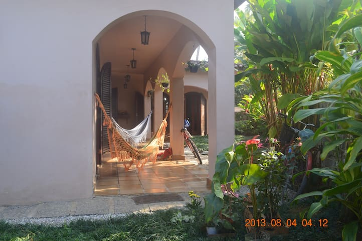 4 bedroom villa, two minute walk to Praia Tenorio