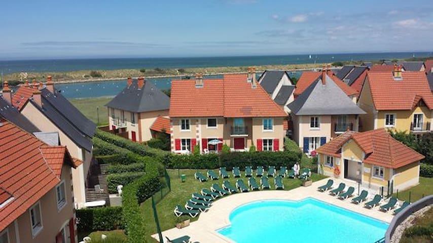 Cottage 4 pers - jardin - 2 piscines - 300 m plage - Dives-sur-Mer - Semesterboende