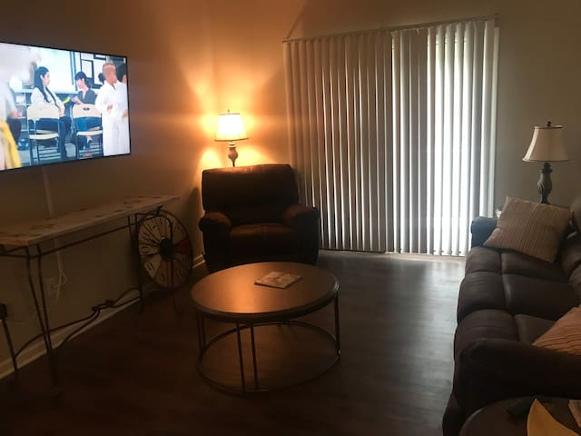 Two Bedroom Condo for Business or Get Aways