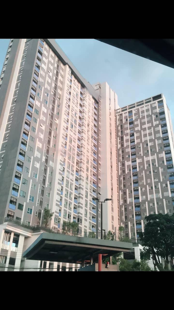 New condominium!! Walk 1 min to central department