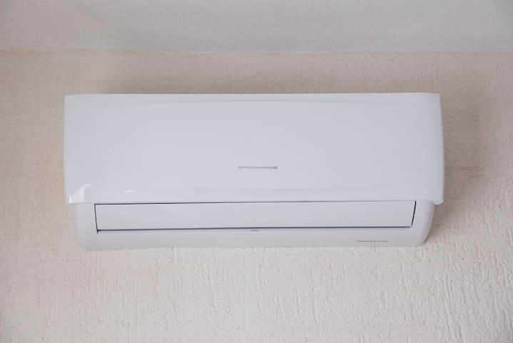 Aire acondicionado en la habitación / Bed room air conditioning