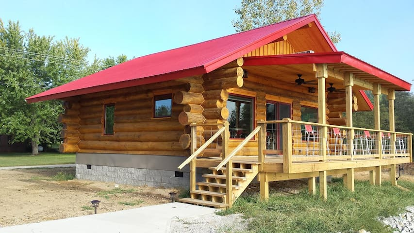 "BIG TIMBER RIVER CABINS ""The Eagle's Nest"""