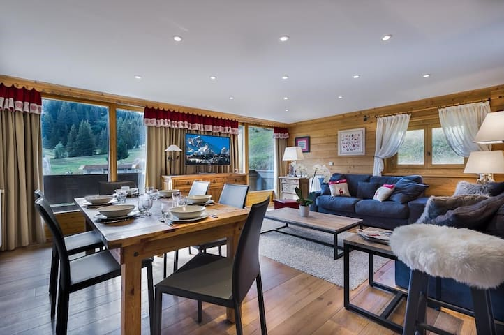 Lovely apartment in the heart of Courchevel 1850