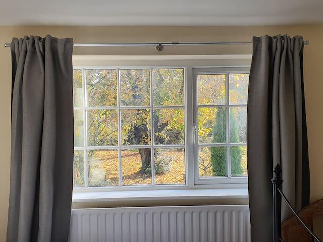 A Charming, Modern Riverside Cottage - Tier 3