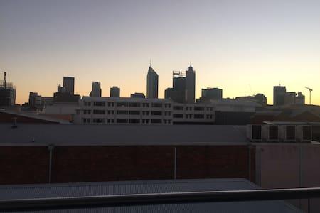 1  bdr modern Perth apartment with city views - 珀斯