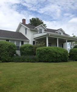 Days to Remember at Granny's Farmhouse - Galax - House