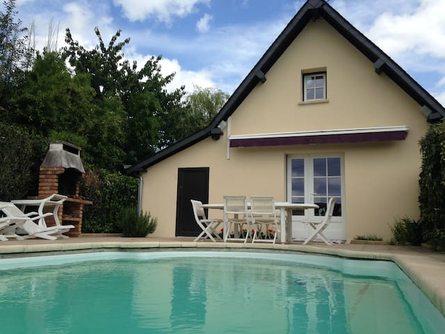 """""""Normandy style"""" house 140m2 with heated pool"""