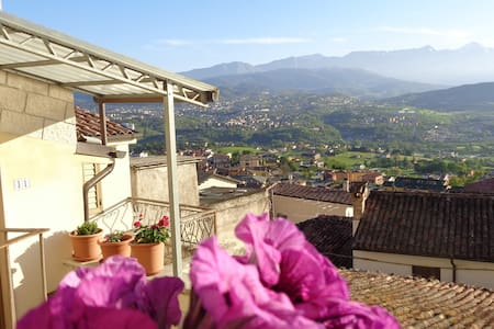 Gran Sasso Nest, independent, wonderful view - Pianola - Hus