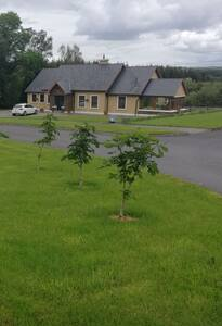 2 Double rooms in Quiet and Friendly Kerry Home