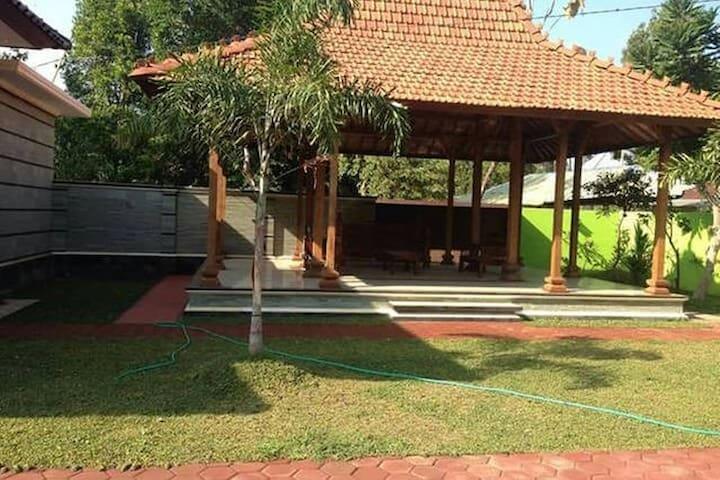 """ Villa Rumah Putri"" Peaceful Rural Villa - Banjar - House"