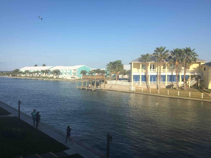 Paradise Point - Kontiki Beach Resort