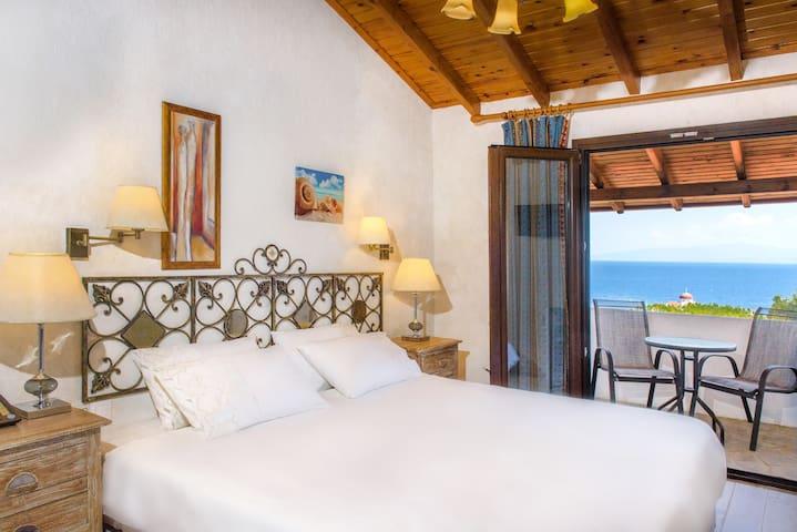 Leandros Hotel -Triple Room sea view