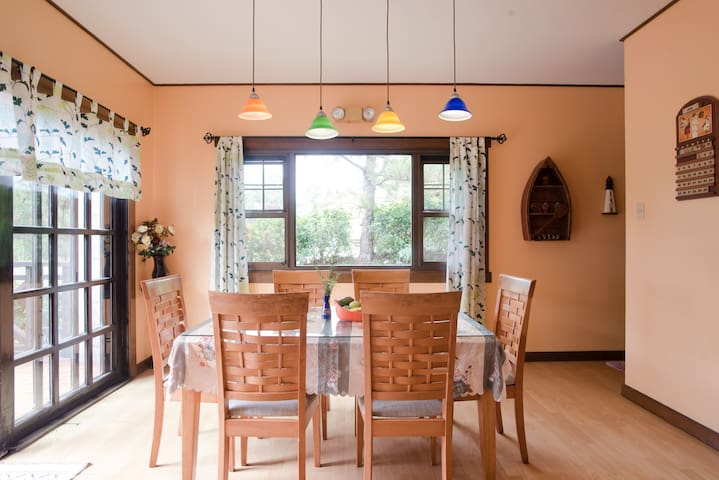 Camp John Hay Cottage, Charming, Great Views,12pax