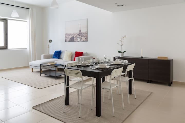 Super stylish 1 bedroom apartment for 3 guests