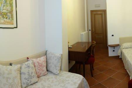 "villa ""Pietrachiara"" affittacamere - Bari"