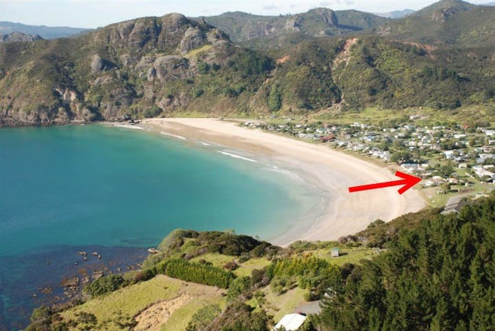 Taupo Bay Beachcomber - Taupo Bay - House