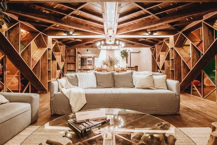 [昔舍-家宅]——《安家》1.5亿老洋房取景地,百年愚园路上小荣宅,最私密的150平的三层洋房生活。