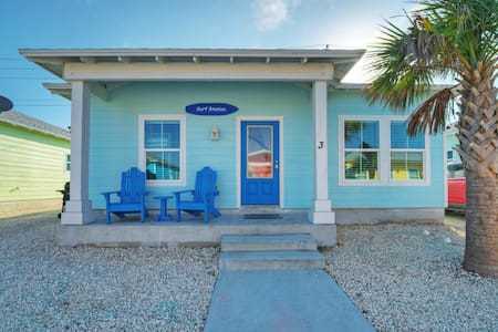 Surf Station-3BD/2BA House, shared pool,near beach