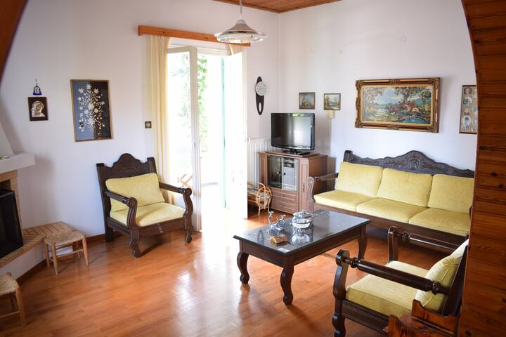 Lovely place in Votsi for 4 guests! - Votsi - Casa