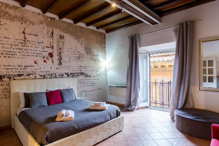 PANTHEON***** LARGE APARTMENT IN THE HEART OF ROME