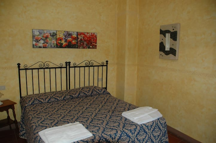 Apartament in Tuscan countryside - Palaia - Serviced apartment