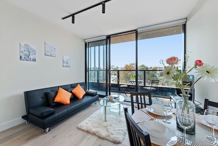 ⭐BrandNewAPT 200 metres to Coles, Camberwell SC