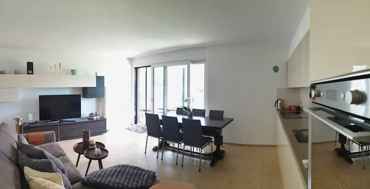 """""""The Charming Apartment""""   View, Balcony&Parking"""
