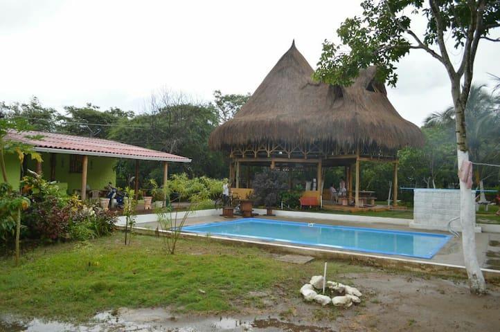 Hermosa cabaña piscina y parqueo - SANTA VERONICA