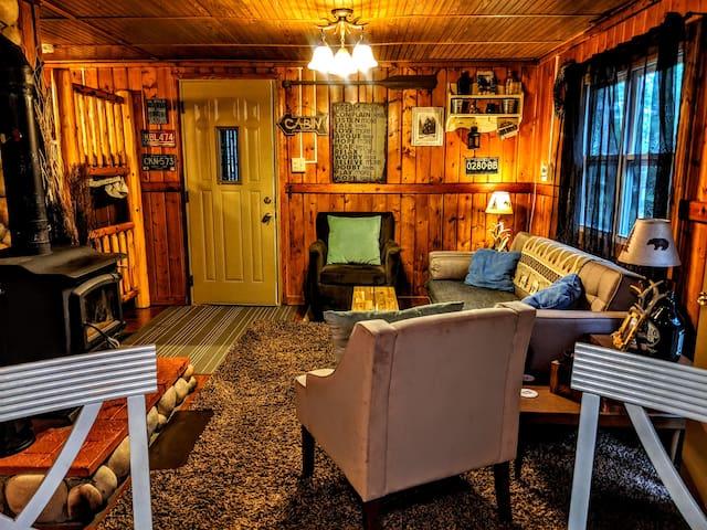 Cute Cabin   in St. Helen, Close to ORV trails