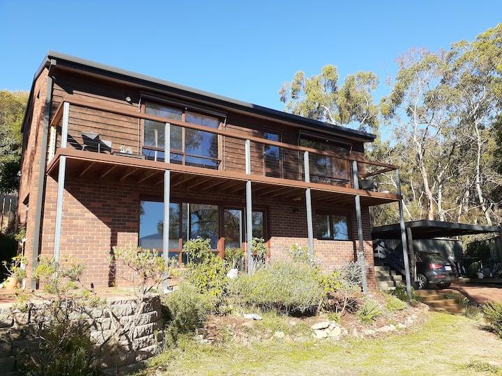 Rose Bay Retreat. 2 bedroom home close to Hobart.
