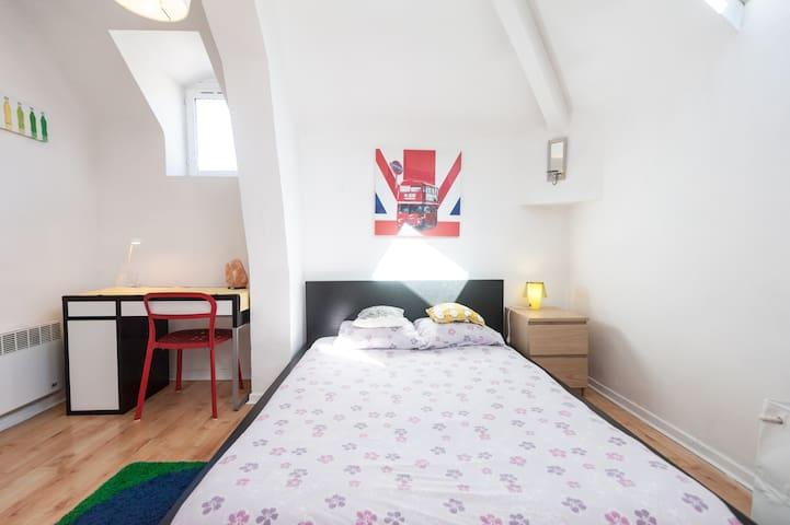 Gambetta Apartment 3