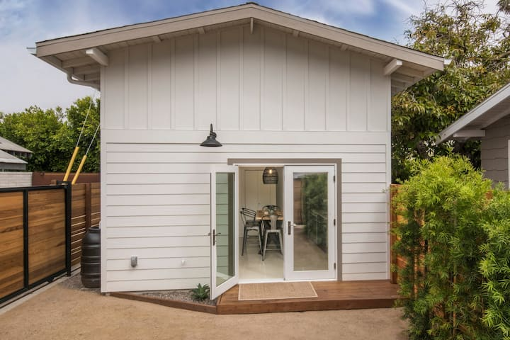 Stylish Venice Beach Guest House. Ideal Location!