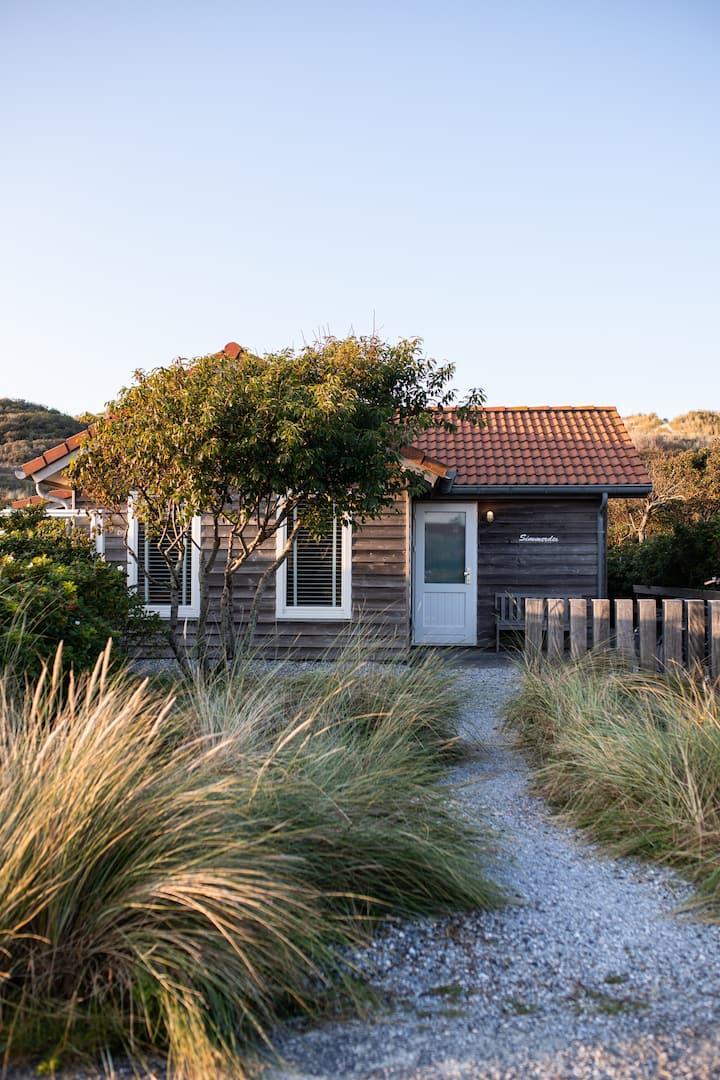 Strandhuisje op Vlieland, 100 meter van het strand