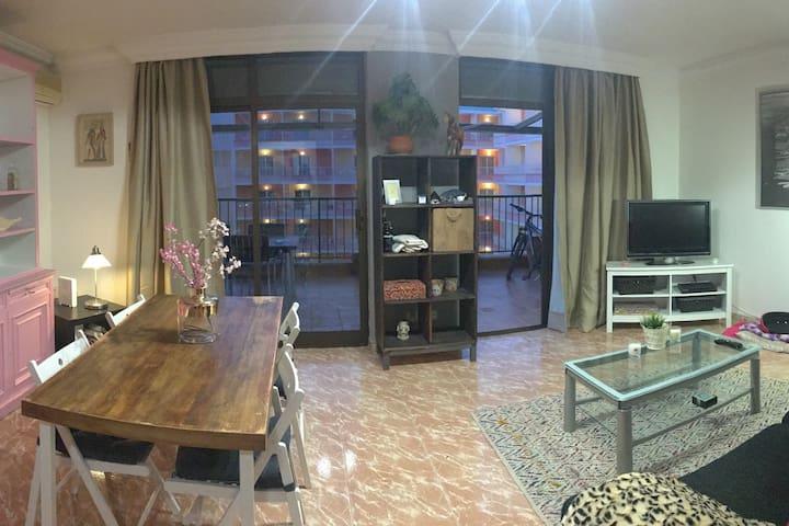ROOM WITH PRIVATE BATHROOM & FREE WiFi CanPastilla - Can Pastilla - Apartemen