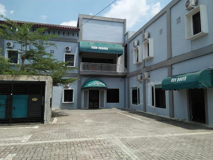 Ben House Medan Cozy Place