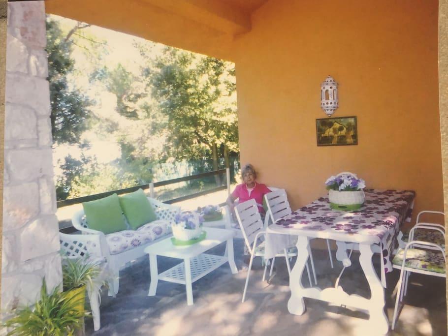 Sunny and fresh terrasse