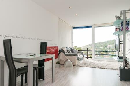 Apartmento de  diseño con vistas al mar - 카스텔데펠스