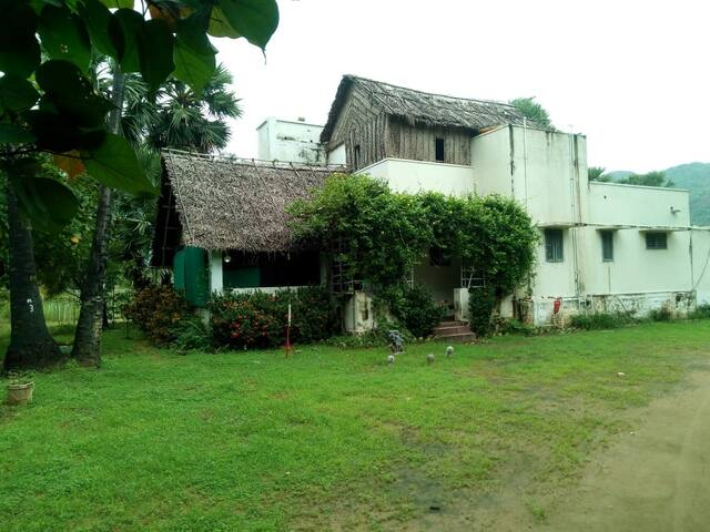 Villa in the wild! Manimutharu, TamilNadu.