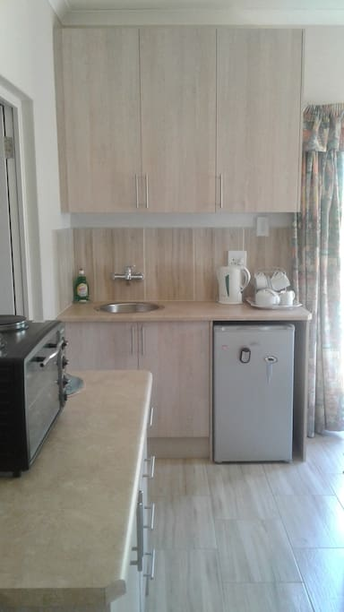 Kitchenette (fully equipped)