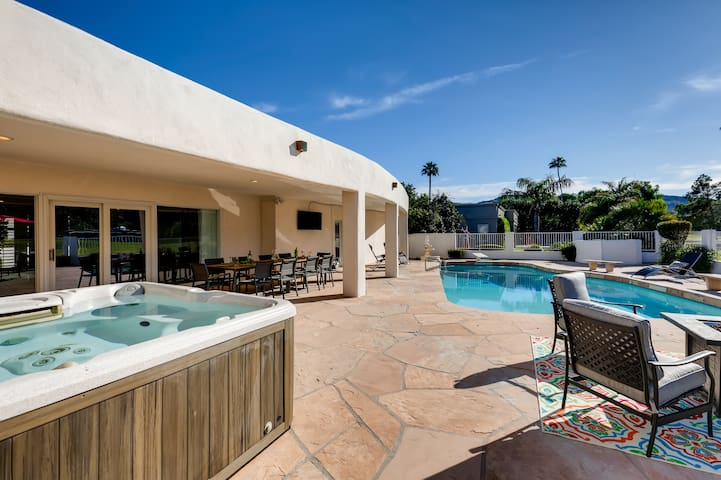 THE NINETEENTH HOLE~5BD/5.5BA Pool with Views!