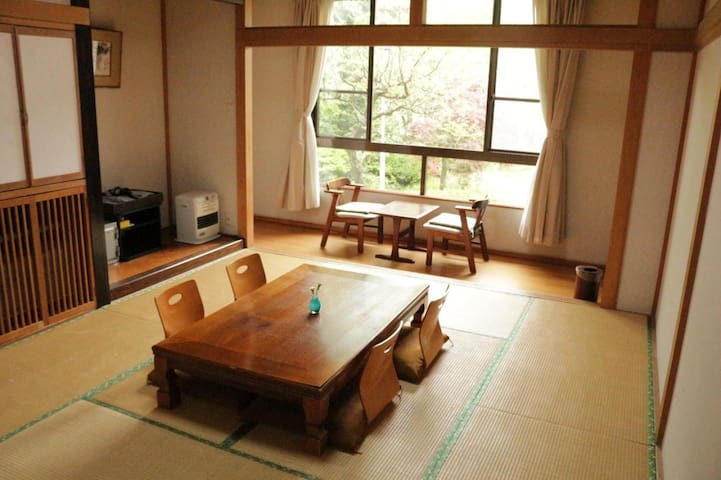 The closest lake to Mt.Fuji, Yamanakako ! Japanese style room