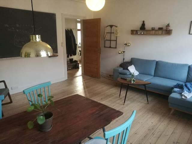 Bright two room apartment in vibrant neighborhood