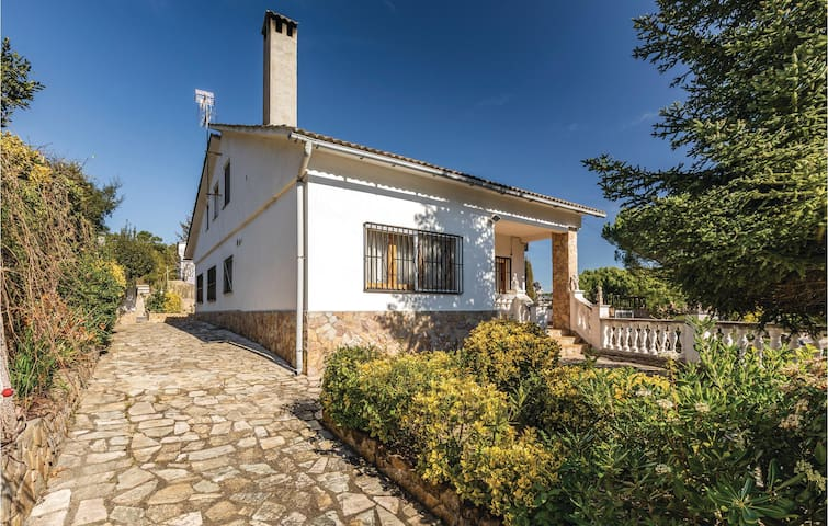 Holiday cottage with 4 bedrooms on 140m² in Maçanet de la Selva