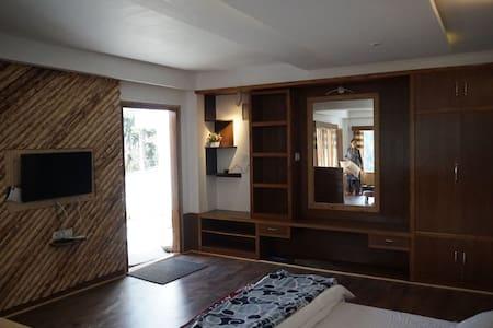 2 saprate apartments price 2199for single aprtmnt