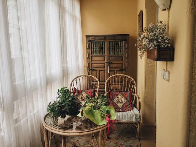 Habitación en madera en el corazón de Zaragoza