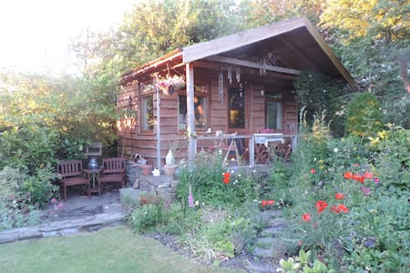 Cosy Bespoke Log Cabin in Kirkcudbright.